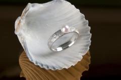 Eisschlagring mit Perle