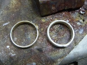 rundgeschmiedete Mokume Gane Ringe