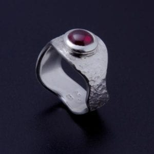 Augenenring Eisschlag mit Granat