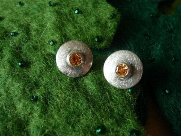 Tellerohrstecker mit Mandaringranat