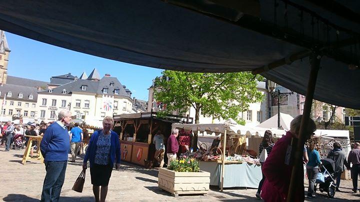 Ich wünsche euch allen schöne Ostern aus Luxemburg wo ich dieses Wochenende in Echternach auf dem Place du marche mein Goldschmiedehandwerk darbiete.