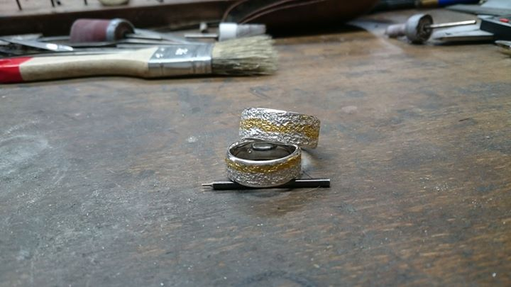Diese Ringe wurden heute mit einem Brautpaar gemeinsam in meiner Werkstatt geschmiedet.