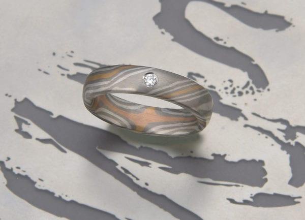 Mokume Gane Ring mit Brillant 0,03ct