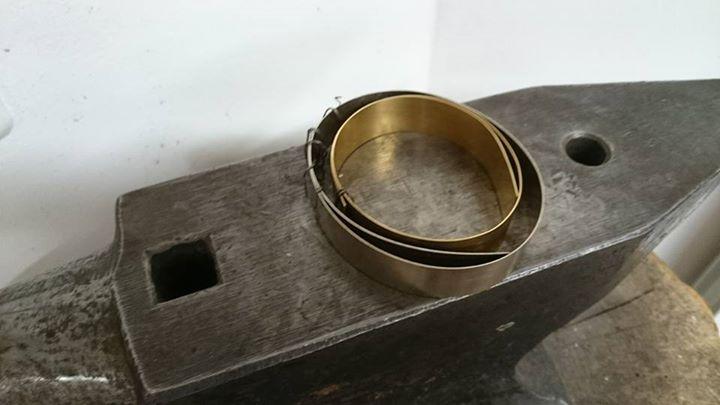 Die  Mokume Gane Ringe in Gelbgold 917 und Palladiumweißgold 585 sind.🤗 fertig geworden.