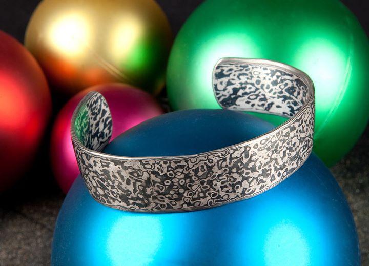 Die Goldschmiede Heider wünscht allen Kunden und Freunden der Goldschmiedekunst schöne Weihnachtsfeiertage.